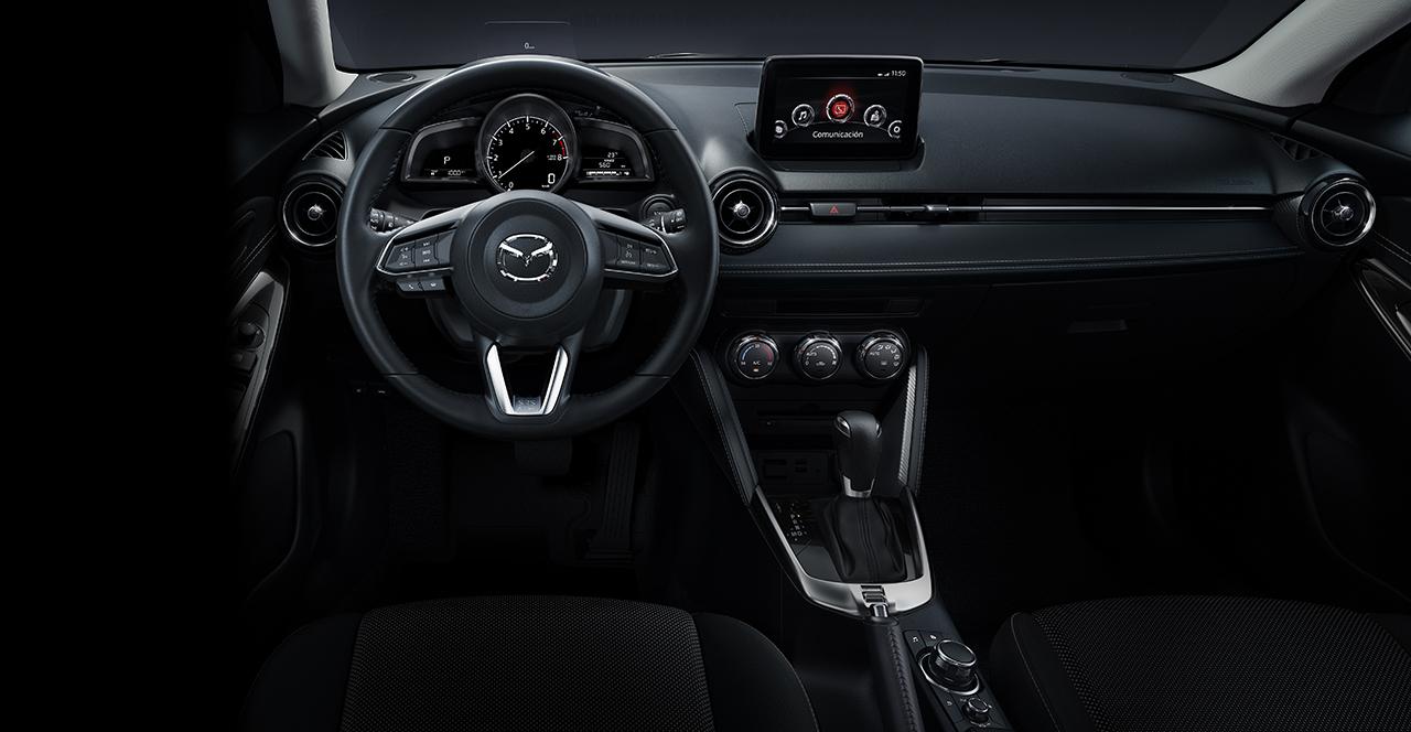 Volante Mazda 2 sedán